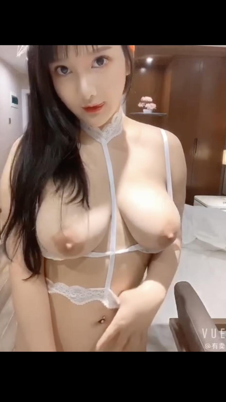素人清楚系美少女-淫乱巨乳 無修正ハメ撮り (4)